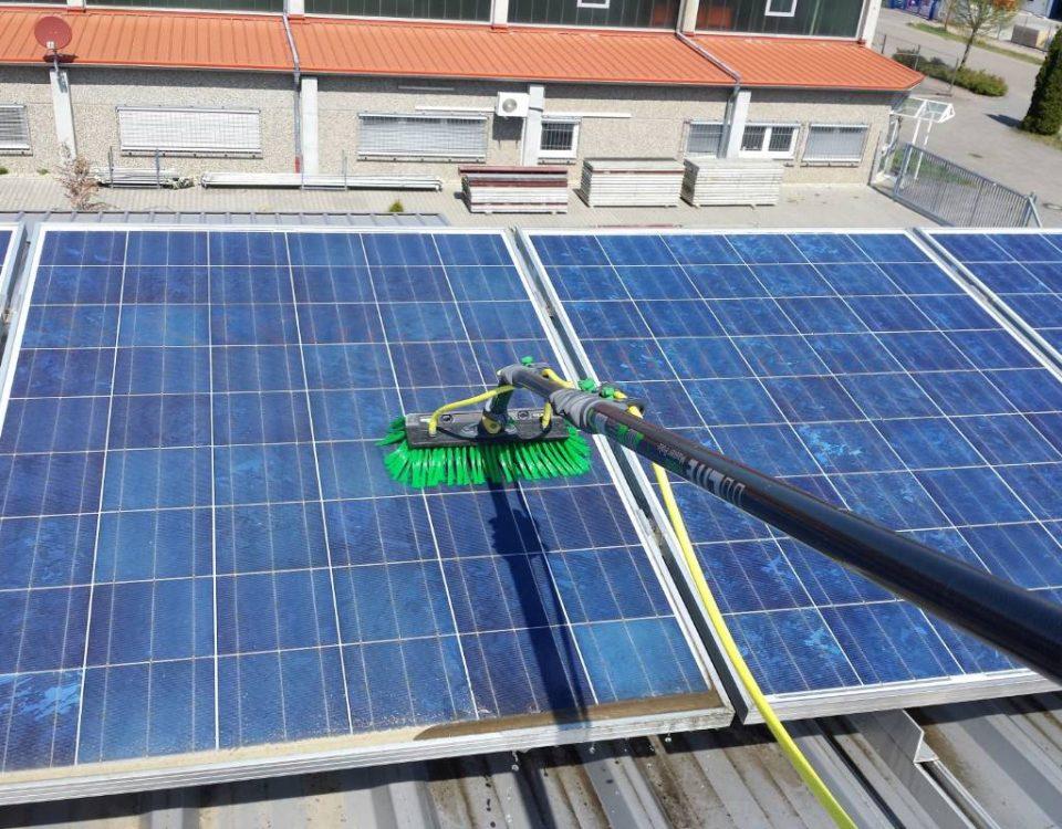 Photovoltaik-Anlagen - Reinigung in Göppingen